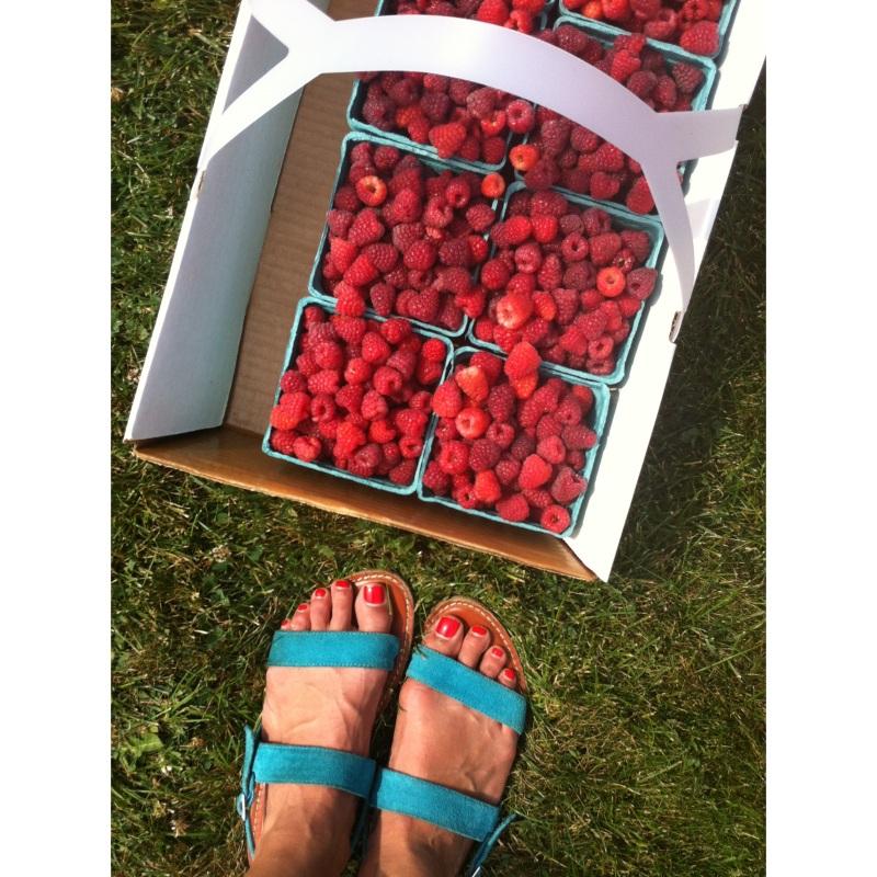 feet+berries
